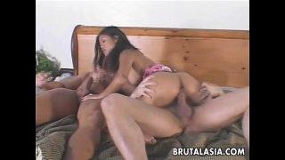 Ravishing Asian slut enjoys a kinky threesome